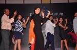 Madhuri Dixit at Dance with Madhuri in The Club on 13th May 2015 (20)_555436b5ca0a0.JPG