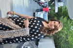 Madhuri Dixit on the sets of DID Super Moms on 12th May 2015 (38)_55542cde7e90d.JPG