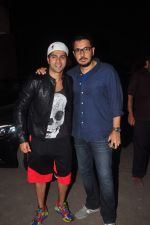 Varun Dhawan, Dinesh Vijan at Masaba_s screening of Bombay Velvet in Mumbai on 13th May 2015 (23)_55543a9661a88.JPG