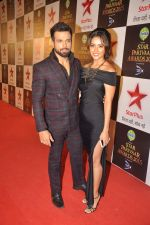 Asha Negi, Rithvik Dhanjani at Star Pariwar Awards in Mumbai on 17th May 2015