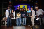 Varun Dhawan, Roop Kumar Rathod at Radio Mirchi Top 20 Awards in Hard Rock Cafe on 20th May 2015 (89)_555d8161d9527.JPG