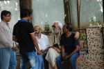 at Sudha Shivpuri_s funeral in Andheri, Mumbai on 20th May 2015 (14)_555d7f494d478.JPG