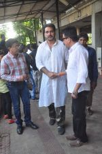 at Sudha Shivpuri_s funeral in Andheri, Mumbai on 20th May 2015 (25)_555d7f52ba01f.JPG