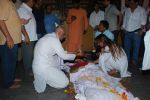 at Sudha Shivpuri_s funeral in Andheri, Mumbai on 20th May 2015 (32)_555d7f59db409.JPG