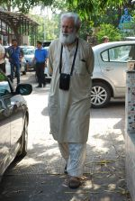 at Sudha Shivpuri_s funeral in Andheri, Mumbai on 20th May 2015 (42)_555d7f63b5e74.JPG