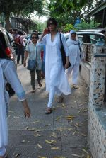 at Sudha Shivpuri_s funeral in Andheri, Mumbai on 20th May 2015 (45)_555d7f67cfa12.JPG