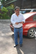 at Sudha Shivpuri_s funeral in Andheri, Mumbai on 20th May 2015 (48)_555d7f6a9bb89.JPG