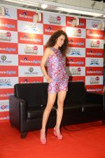Kangana Ranaut snapped at Relaince Digital Store on 21st May 2015