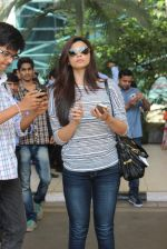Daisy Shah snapped in Mumbai on 23rd May 2015 (36)_5561ae85799fd.JPG