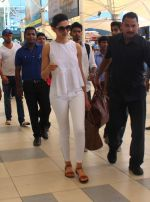 Deepika Padukone snapped in Mumbai on 23rd May 2015