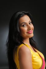 Kamya Punjabi shoot for music video O Meri jaan in Jogeshwari on 25th May 2015