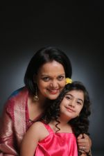 Sushmita Mukherjee and Ruhana Khanna shoot for music video O Meri jaan in Jogeshwari on 25th May 2015