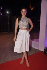 Kiara Advani at Wella event in Mumbai on 27th May 2015 (35)_5566e40585055.JPG