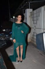 Surveen Chawla at Tanu Weds Manu 2 success bash in Mumbai on 27th May 2015
