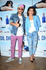Priyanka Chopra,Ranveer Singh at Dil Dhadakne Do screening in Mumbai on 28th May 2015
