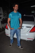 Hrithik Roshan snapped at Sunny Super Sound in Mumbai on 29th May 2015