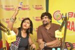 Madhavan with RJ Sangeeta at Radio Mirchi studio celebrating the success of Tanu Weds Manu Returns