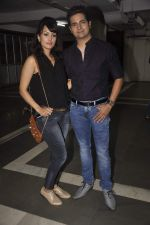 Karan mehra, Nisha Rawal at Munisha Khatwani_s debut play as producer premiere in Mumbai on 31st May 2015 (11)_556c493e003c8.JPG
