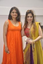 Tejaswini Kolhapure at Nishka and Dhruv_s wedding bash in Mumbai on 31st May 2015 (53)_556c58a562ea0.JPG