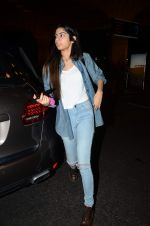 Khushi Kapoor leave for IIFA on 4th June 2015(67)_55717ec7b8240.JPG