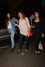 Sridevi, Jhanvi Kapoor, Khushi Kapoor leave for IIFA on 4th June 2015 (23)_55717fc6082eb.JPG
