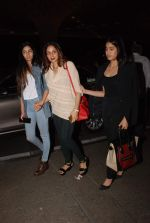 Sridevi, Jhanvi Kapoor, Khushi Kapoor leave for IIFA on 4th June 2015 (24)_55717fc6cc7c6.JPG