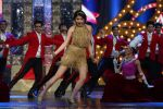 Anushka Sharma performs at IIFA Awards 2015