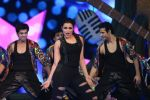 Parineeti Chopra performs at IIFA Awards 2015