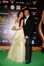 genelia D Souza, Riteish Deshmukh at IIFA 2015 Awards day 3 red carpet on 7th June 2015 (172)_55759f404ffff.JPG