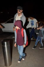Hrithik Roshan leaves with kids for 20 days vacation to Cape Town, South Africa on 11th June 2015