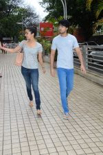 Shraddha Kapoor snapped with cousin Priyank on 14th June 2015 (22)_557d8143ed148.JPG