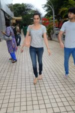 Shraddha Kapoor snapped with cousin Priyank on 14th June 2015 (26)_557d814b2ac64.JPG