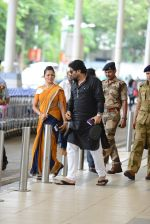 Babul Supriyo getting VIP treatment at the airport as he has turned politician in Mumbai on 16th June 2015 (7)_558029246df03.JPG