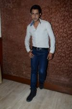 Gippy Grewal at Second Hand Husband interviews in Raheja Classique on 16th June 2015 (12)_5581228dbb2bc.JPG