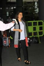Juhi Chawla snapped at early morning International airport in Mumbai on 16th June 2015 (18)_558114bb56fea.JPG