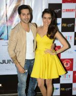 Varun Dhawan and Shraddha Kapoor in Gurgaon for ABCD2 on 16th June 2015 (25)_5581178e837fc.JPG