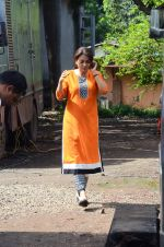 Juhi Chawla snapped on the sets of her new movie on 17th June 2015 (2)_55826326199e7.JPG