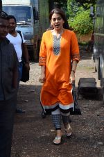 Juhi Chawla snapped on the sets of her new movie on 17th June 2015 (5)_558263290cf8d.JPG