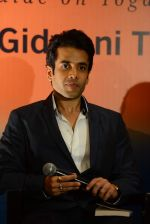 Tusshar Kapoor at the launch of Payal Gidwani_s book Body Goddess in Enigma on 20th June 2015 (131)_5586ec1a801d0.JPG