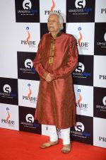 at Pride awards in Filmcity, Mumbai on 21st June 2015 (37)_5587bb79cd01d.JPG