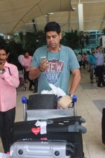 Murli Sharma snapped at domestic airport in Mumbai on 22nd June 2015 (13)_5588f3b73d1bf.JPG