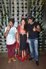 Vikram Khajuria, Devshi Khanduri, Raja Sagoo at Thoda lutf thoda ishq press meet on 23rd June 2015 (24)_558a645426f56.JPG
