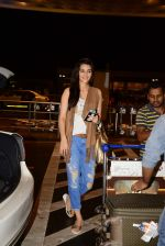 Kriti Sanon leave for Bulgaria for Dilwale shoot in Mumbai Airport on 24th June 2015