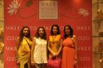 Pooja Kanwal, Anita Kanwal at Anju Modi showcases her bridal collection for AZA and the Vogue Bridal show in AZA on 24th June 2015 (61)_558b9e089c5ee.JPG