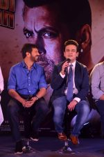 Adnan Sami, Kabir Khan at Bajrangi Bhaijaan song launch in Mumbai on 25th June 2015 (51)_558cfa4e02311.JPG