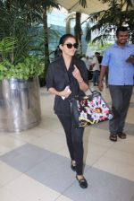 Asin Thottumkal snapped at airport in Mumbai on 26th June 2015 (24)_558e7068982ea.JPG