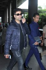 Karan Johar snapped at airport in Mumbai on 26th June 2015 (6)_558e70838145a.JPG