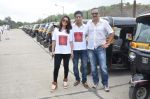 Sachin Khedekar, Sonalee Kulkarni, Amey Wagh at Shutter film promotions with rickshaw drivers in Filmcity, Mumbai on 27th June 2015 (45)_5591765641291.JPG