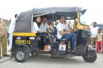 Sachin Khedekar, Sonalee Kulkarni, Amey Wagh at Shutter film promotions with rickshaw drivers in Filmcity, Mumbai on 27th June 2015 (50)_5591765779a71.JPG