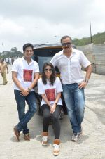 Sachin Khedekar, Sonalee Kulkarni, Amey Wagh at Shutter film promotions with rickshaw drivers in Filmcity, Mumbai on 27th June 2015 (55)_5591762bc4caf.JPG